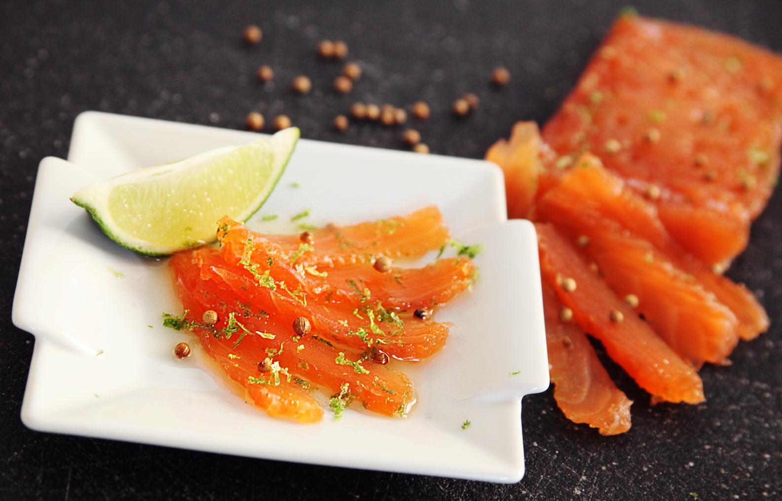 gravlax de saumon la coriandre et zeste de lime max l 39 affam. Black Bedroom Furniture Sets. Home Design Ideas